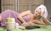 Stock photo attractive lady getting spa treatment — Stock Photo