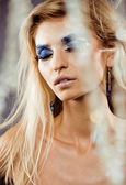 Beauty young woman with creative make up — ストック写真