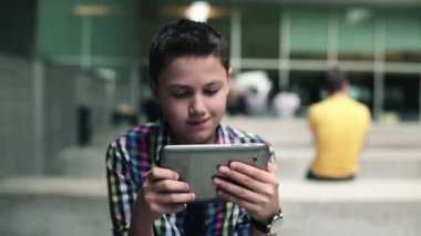 Boy with tablet computer — Stock Video