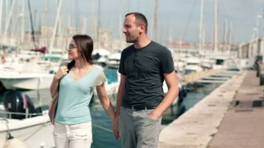 Couple in love in yacht harbor — Stock Video