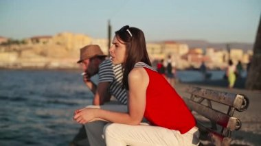Sad couple by sea — Video Stock