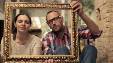 Happy and sad frame game of couple — Vídeo de Stock
