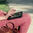 Female hands with tablet — Stock Video
