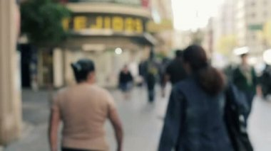 Blurred people walking in city — Stock Video