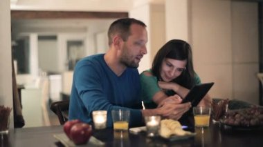 Couple with tablet computer — Stock Video