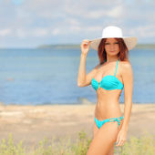 Summer beach woman — Stock Photo