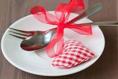 Valentines day set with silverware — Stockfoto