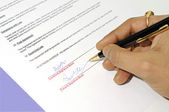 Lease agreement being signed — Stock Photo