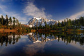 Mt Shuksan wide view — 图库照片