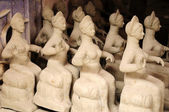 Clay idols for sale — Stock Photo