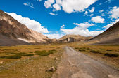 Spiti valley road and landscape — Stock Photo