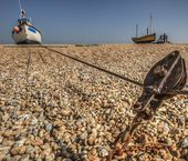Fishing boat secured by pulley — Stok fotoğraf