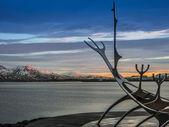 Solfar (Sun Voyager) sculpture, Reykjavik at dawn — Stock Photo