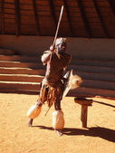Zulu man depicting warrior. April 18, 2014. KwaZulu-Natal, South — Stok fotoğraf