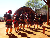 Zulu people in traditional clothes. April 18, 2014.KwaZulu-Natal — Stock Photo