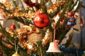 Focused Christmas ball in the Christmas tree — Foto Stock