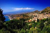 Taormina with view on Etna vulcano — Stock Photo