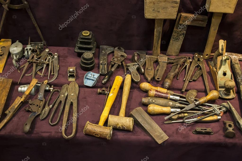 Vieux outils pour le travail du bois — Photo #37637035 ~ Outils Pour Le Bois