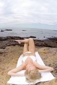 Model na pláži — Stock fotografie
