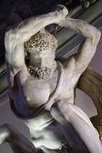 Statua nella galleria di palazzo — Foto Stock