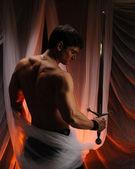 Man holding sword — Stock Photo