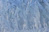 在冬天窗户上的冰霜天然花纹 — 图库照片