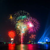 Colorful fireworks on River — Stockfoto