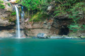 Haew Su thad waterfall, Khao Yai national park, Thailand with rainbow effect — Stock Photo