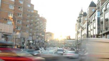 Timelapse cars move in city traffic jam — Stock Video