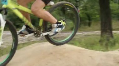 Bicycle challenge looser, rider comes second finishing last — Stock Video