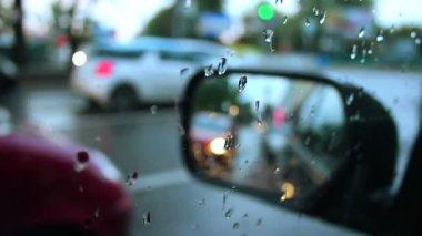 Seite rückspiegel regenwetter — Stockvideo
