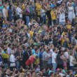 Applause of people watching football — Stock Video