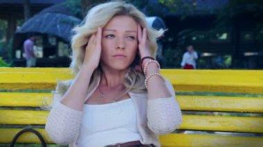 Woman having headache — Stock Video