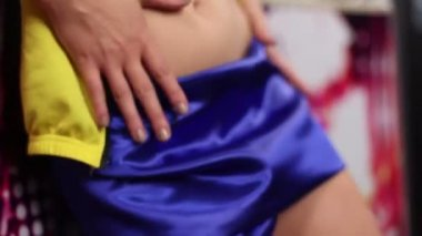 Woman posing and teasing — Stock Video