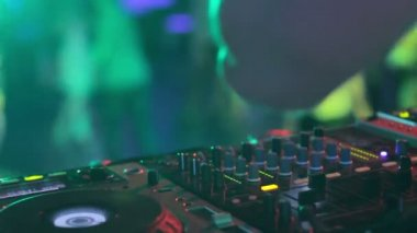 Hands of sound engineer — Stock Video
