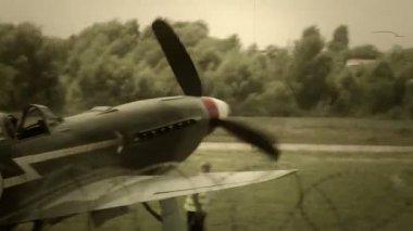 Vintage ryska sovjetiska flygplan — Stockvideo
