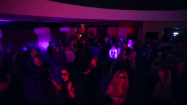 Dancing people in night club — Stock Video