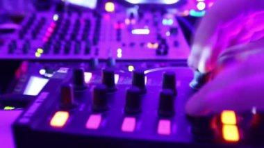 Timelapse of Djs deck in night club — Stock Video