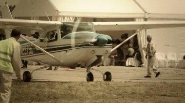 Steering war plane — Стоковое видео