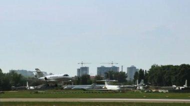 Kaya Air taxi landing — Stock Video