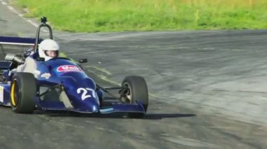 Formula 1 cars competition — Stock Video
