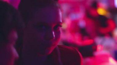 Couple flirt — Stock Video