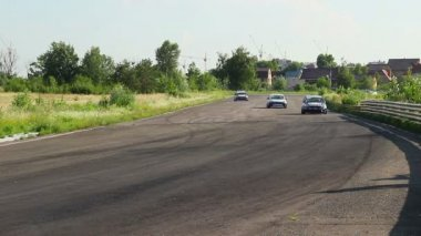 Hot pursuit on racetrack — Stock Video