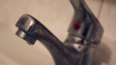Old faucet bathroom kitchen tap — Stock Video