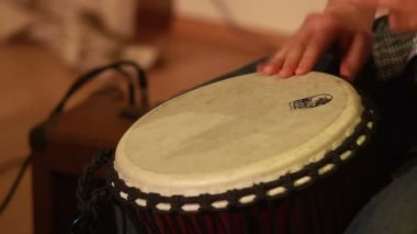 Male hands play drums — Stock Video