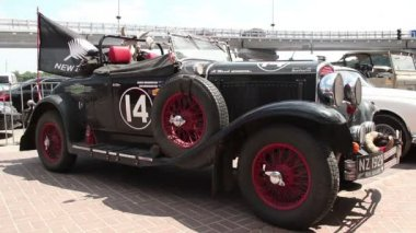 1929 Chrysler model 75 roadster — Stok video