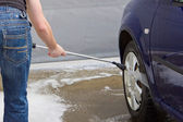 Man washing car — Stock Photo