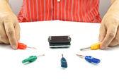 επιλέξτε κατσαβίδι άνθρωπος για επισκευή — Foto de Stock