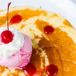 Crepe with ice cream strawberry — Stock Photo