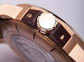 Luxury gold watch swiss made — Stock Photo